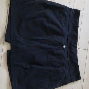 Lululemon black skirt with shorts size 8